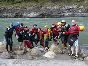 Sunshine, mountains, warm water and heaps of fun - learning to kayak in Nepal!
